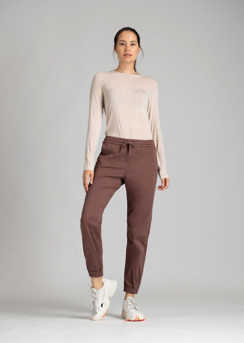 Woman wearing brown Athletic Jogger full body