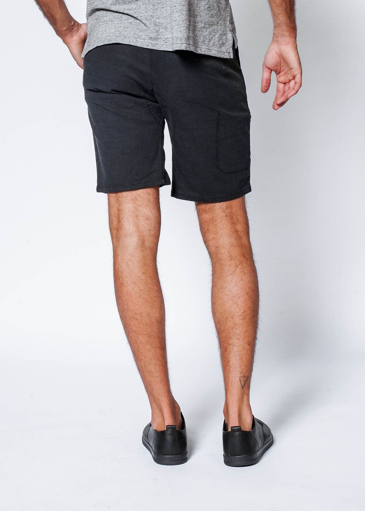 Live Lite Journey Short - Black