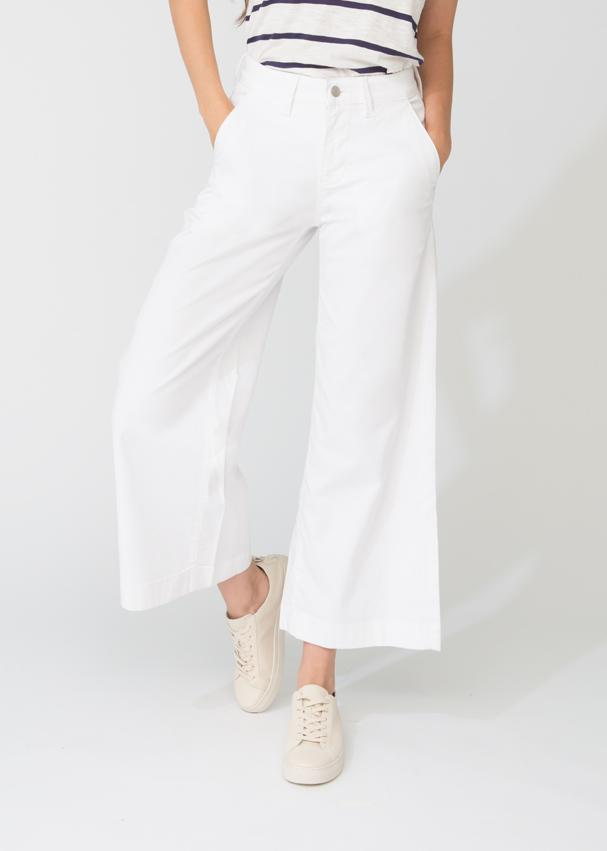womens white lightweight wide leg crop pant front