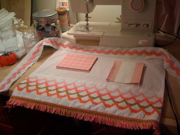 creating matching daughter's apron