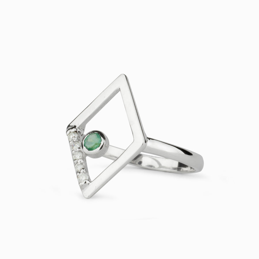 Diamante: Emerald & Diamond Ring