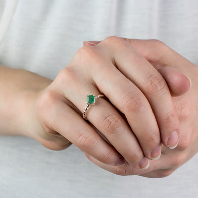 EMERALD RING on model