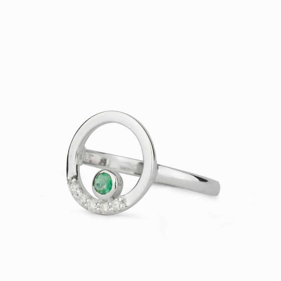 Cercle: Emerald & Diamond Ring