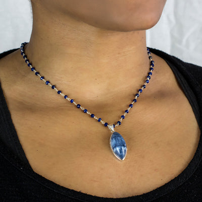Lapis Lazuli beaded chain necklace with pendant on model