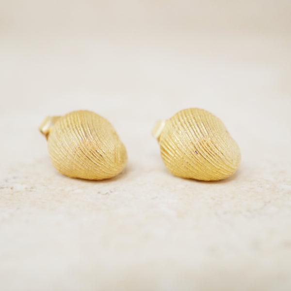 Vintage Gilt Clam Shell Earrings by Crown Trifari, 1950s