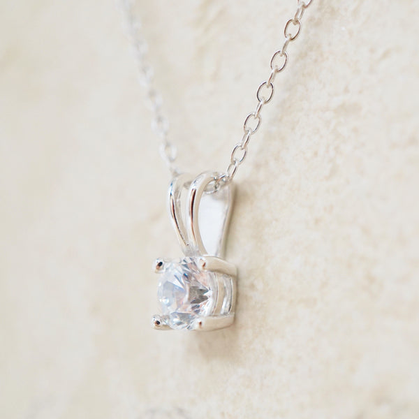Dainty Swarovski Necklace