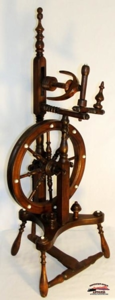 1860-70S European Walnut Spinning Wheel Collectibles-Toys-Games
