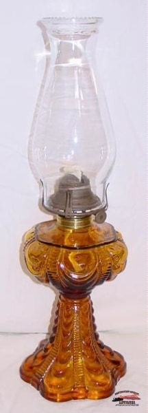 Amber Coolidge Pattern 1970S Kerosene Lamp General Store & Lighting
