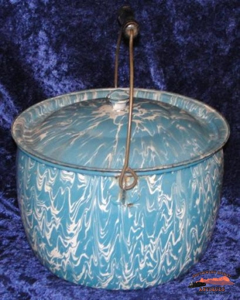 Berlin-Style Blue & White Large Swirl Preserving Kettle General Store Lighting