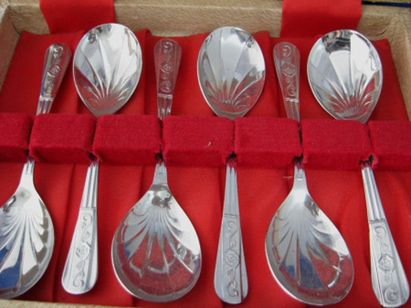 Vintage English Boxed Spoon Set 7 Berry Dessert Fancy Shell 1940s Trifle Spoons