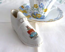 Shelley China Crested China Shoe Richmond Surrey Clog Edwardian 1900-1910s