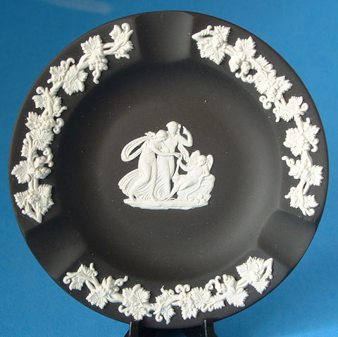 Wedgwood Black Jasperware England Ashtray Cupid Asleep English Tobacciana 1920s
