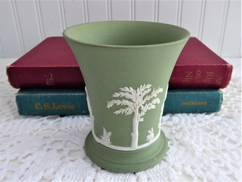 Vase Wedgwood Green Jasperware Classical Design Jasper 1930s Offering Sacrifice