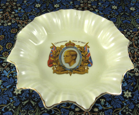 King Edward VIII Coronation Dish 1937 Meakin Pale Yellow Ruffled Abdicated
