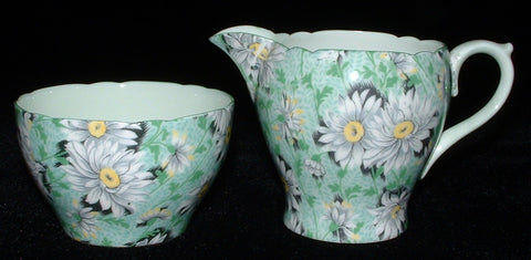 Shelley Daisies Chintz Sugar And Cream Green Cambridge Shape 1950s