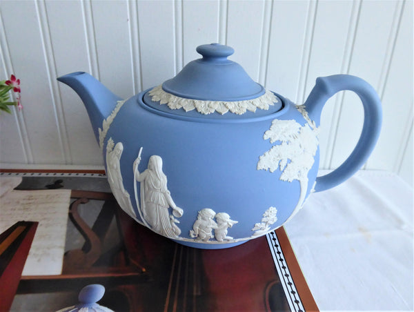 Wedgwood Jasperware Teapot 1953 Large Ceres Offering To Peace 6 Cups Blue and White