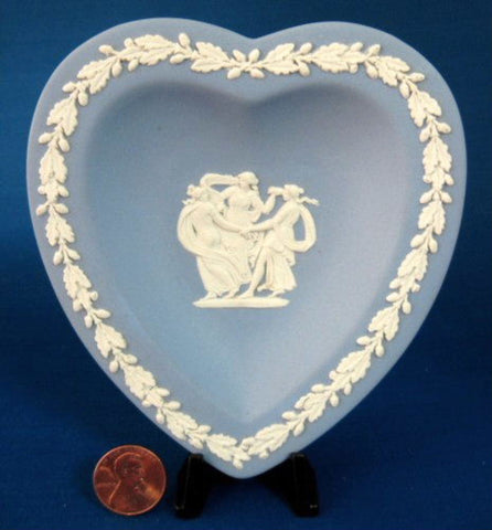 Wedgwood Jasperware 3 Graces Heart Dish Blue And White Acorn Border