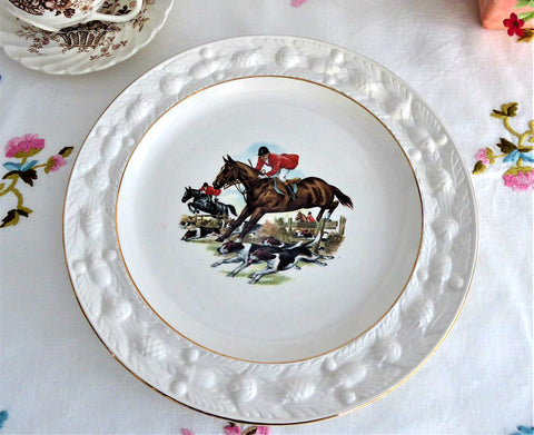 Adams Hunt Scene Plate 1960s English Country House Hunting Dogs Horses Ironstone 9.75 Inch