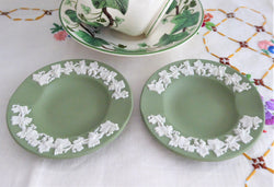 Pair Wedgwood Green Jasperware England Ashtrays Grapevine Dishes English 1960s