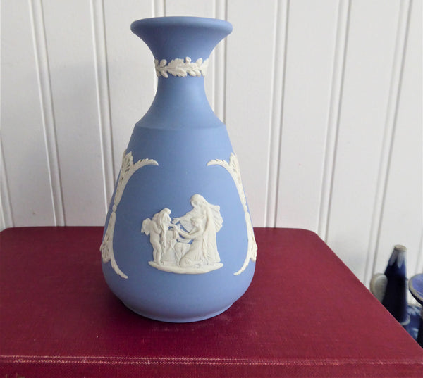 Vase Wedgwood Jasperware Blue And White 1969 Aurora Cupid Pilasters