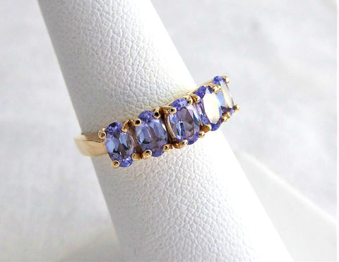 Ladies Ring 10kt Gold Genuine Vintage 5 Stone Tanzanite 1970s Estate 10k Size 6