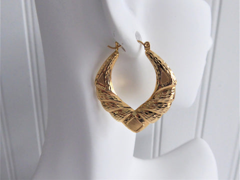 Earrings 14kt Gold Door Knocker Earrings Carved 1970s Fancy Hoops Diamond Cut Double Sided