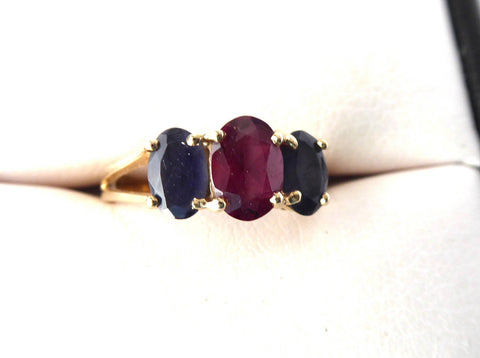Estate Ring 14k 2 Carats Oval 1 Red Ruby 2 Blue Sapphires 1970s 14kt