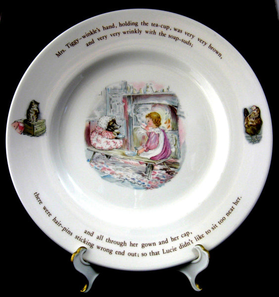 Wedgwood Mrs. Tiggy-Winkle Dinner Plate Beatrix Potter Hedgehog 1970s England