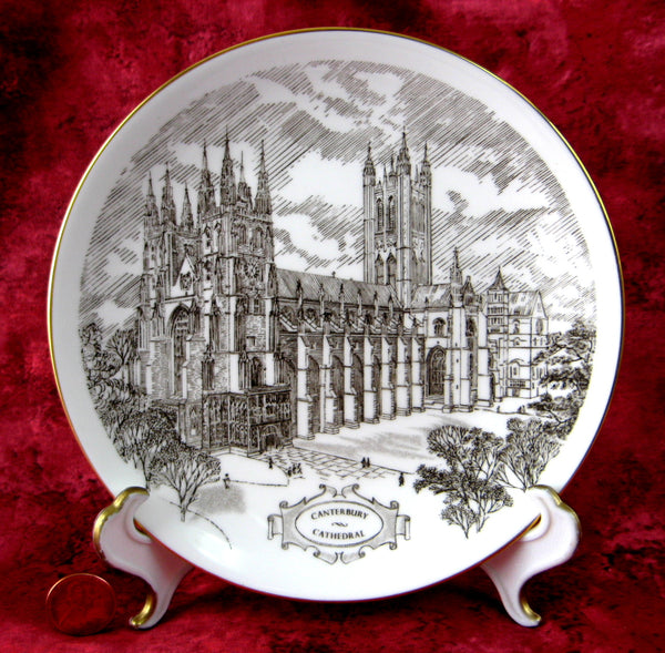 Wedgwood Canterbury Cathedral Souvenir Plate 1970s England Bone China