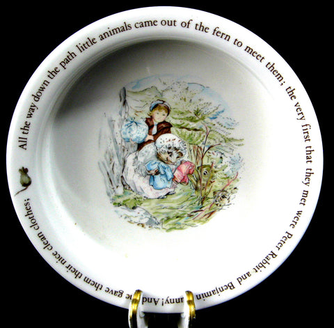 Wedgwood Mrs. Tiggy-Winkle Baby Bowl Child Feeder Beatrix Potter Hedgehog 1970s