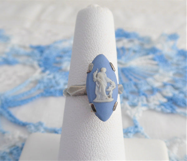 Ring Wedgwood Blue Jasper Ceres Cupid Sterling Silver JW London 1973 In Box