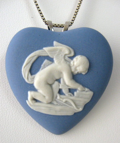 Wedgwood Blue Jasper Heart Pendant Necklace Cupid Convertible Pin 1974 Silver Chain