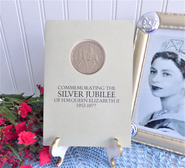 Queen Elizabeth II Silver Jubilee Crown 1977 Booklet Souvenir Coin