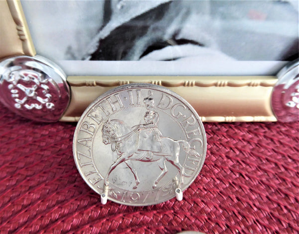 Queen Elizabeth II Silver Jubilee Crown 1977 Silver Souvenir Coin In Sleeve