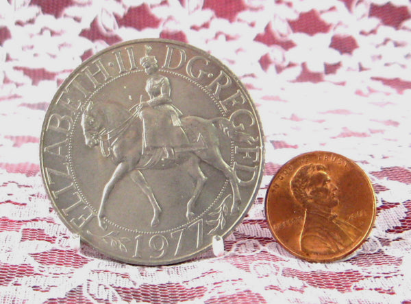 Commemorative Coin Queen Elizabeth II Jubilee 1977 Mint In Sleeve