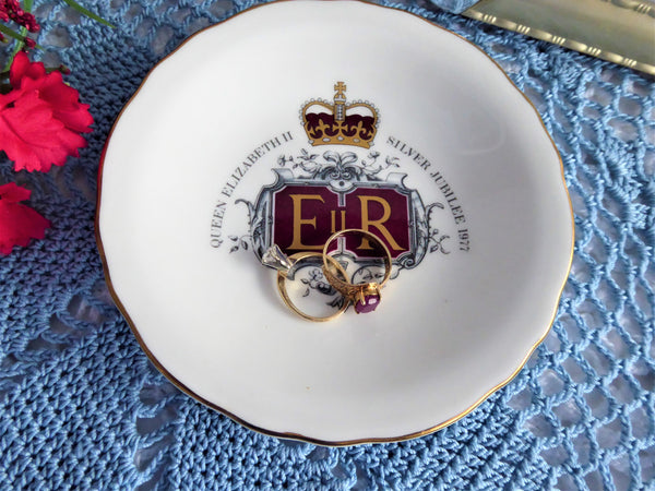 Trinket Dish Queen Elizabeth II Silver Jubilee 1977 England Royal Grafton Bone China