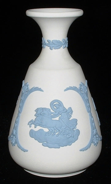 Vase Wedgwood Blue On White Jasper Cupid Asleep Aurora 1980