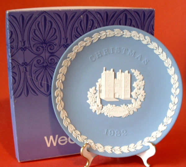 Wedgwood 1982 Lambeth Palace Christmas Plate Original Box Blue And White Jasperware