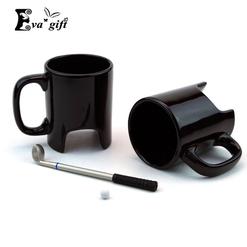 Golf coffee mug with mini putter and ball