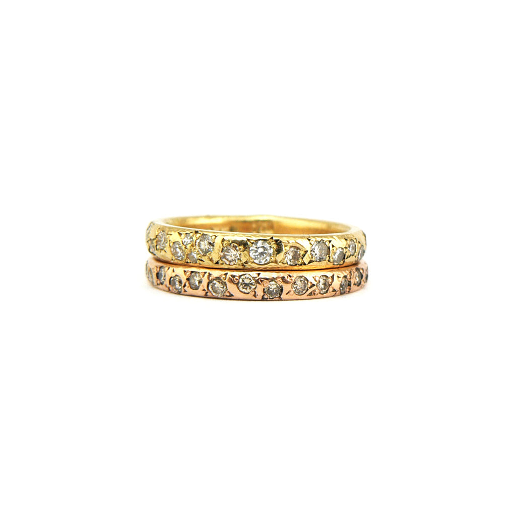 Delicate women's wedding band