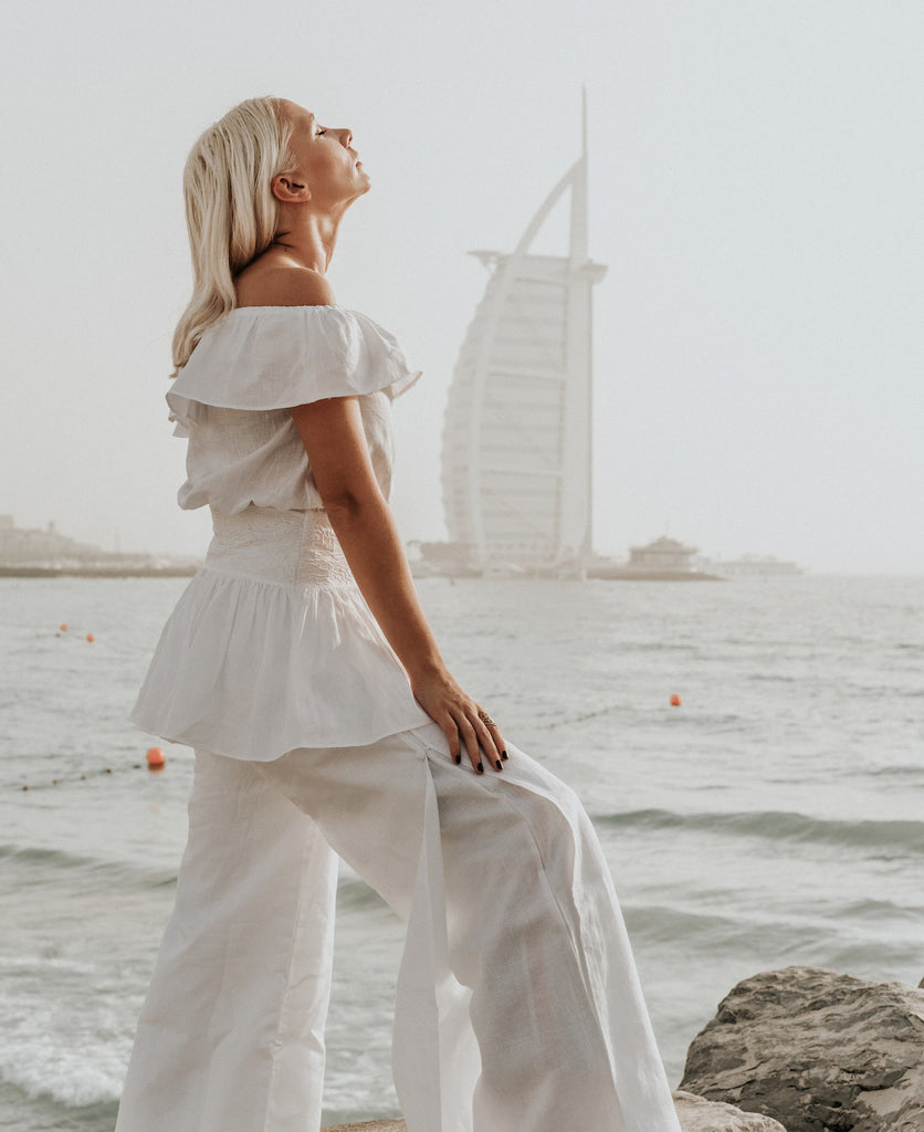 "INTERVIEW WITH SASKIA ""THE PROFASHIONAL"" STYLIST - white linen fashion"