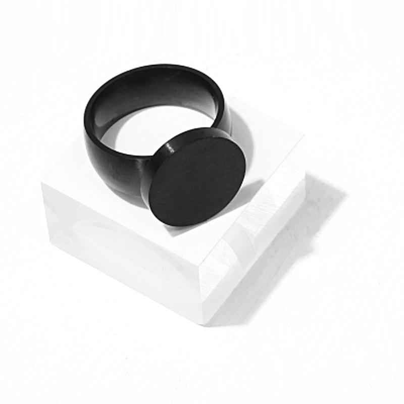 Mono Ring // Black - Strauss Heritage Ring