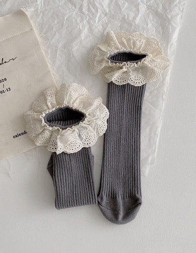 Ruffle Lace Socks | Gray