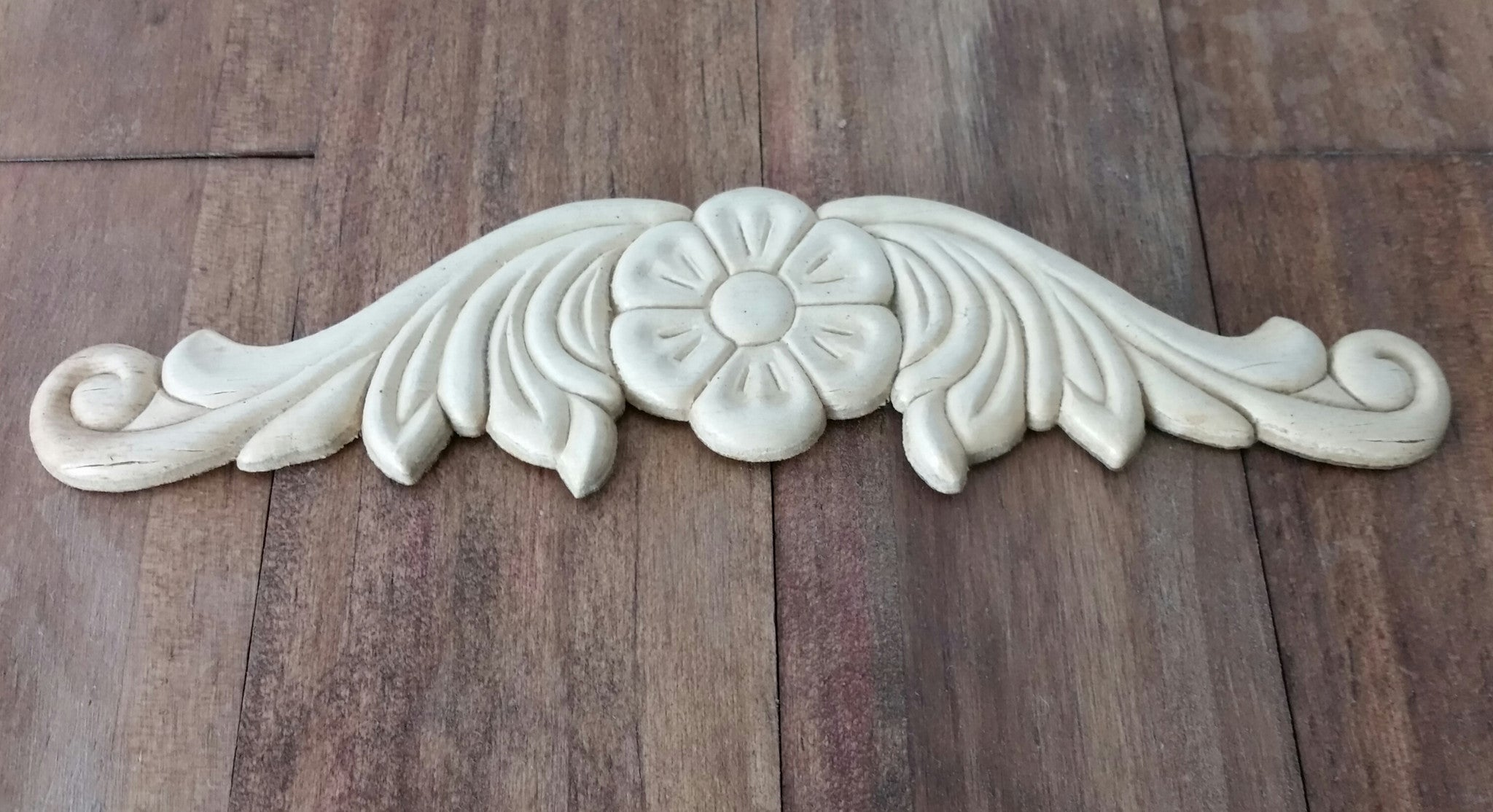 Rose Flare Applique - The Chippy Barn
