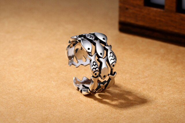 Adjustable Fish Ring | Multiple layers