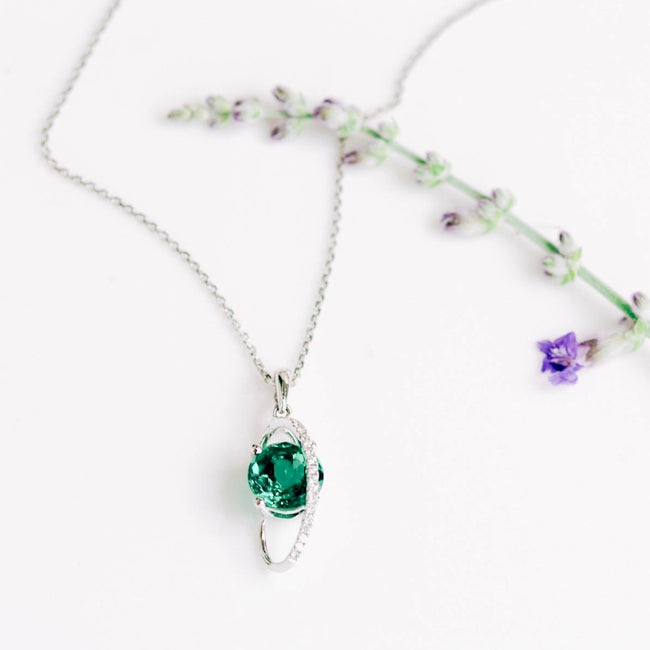 *In Stock!* Emerald & Diamond Necklace