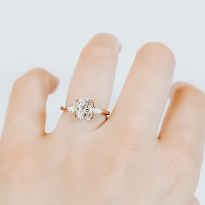*In Stock* Eva 1.75 carat Oval Cut Moissanite Engagement Ring