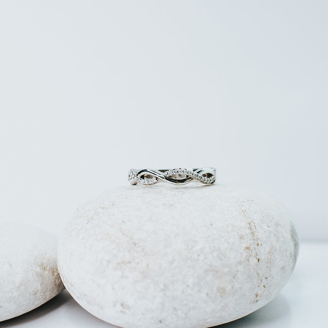 *In Stock* Hannah Infinity Style Diamond Band - 1/8 Carat (White gold)