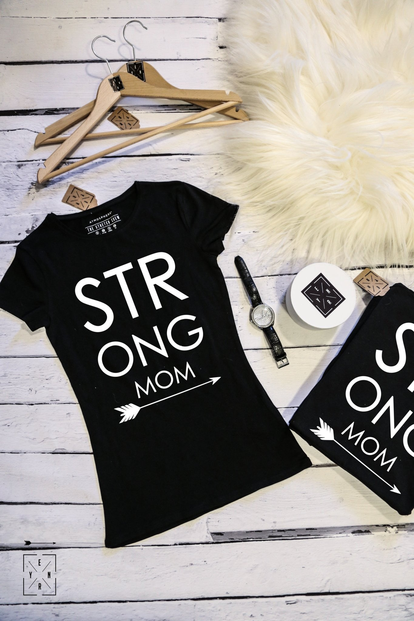 "T-shirt ""Strong MOM""-T-Shirts-EnryPrint.com"