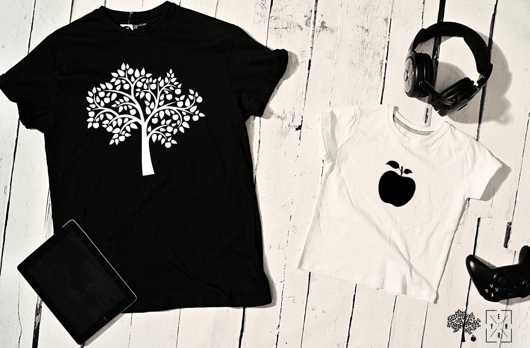 "T-shirts for dad and child ""APPLE & TREE""-T-Shirts-EnryPrint.com"